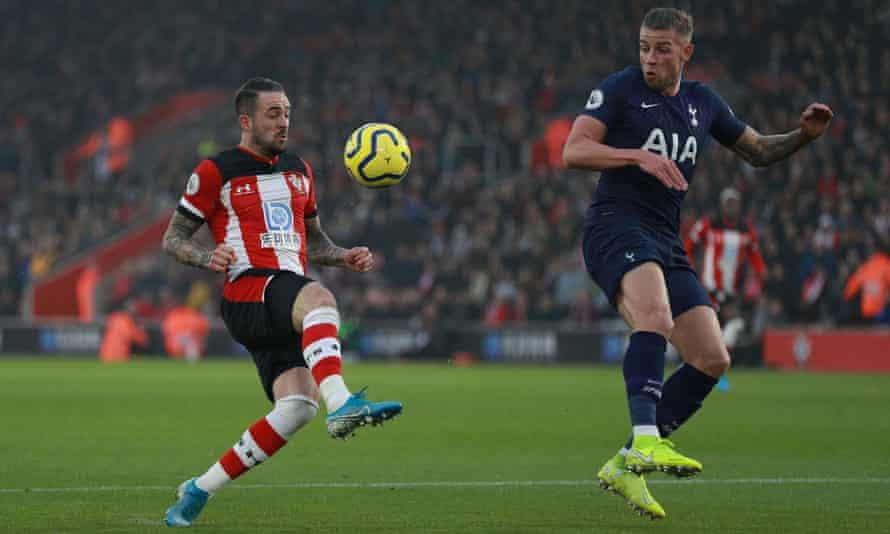 Danny Ings clips the ball over Toby Alderweireld before scoring Southampton's winner against Tottenham