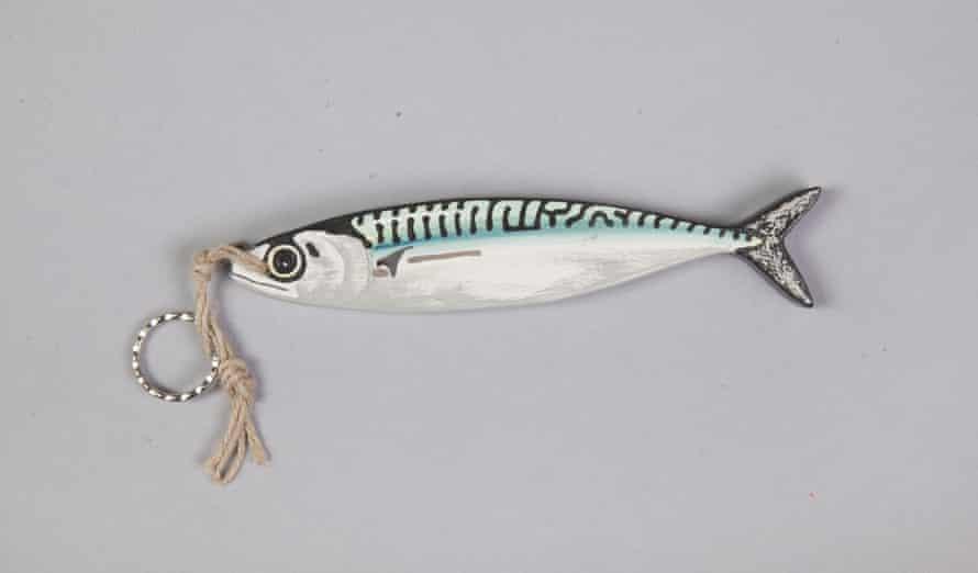 Wooden mackerel key ring