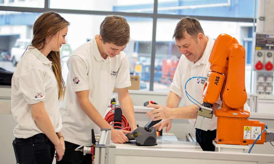 University researchers, PhD students and Unipart engineers work together on developing research projects.