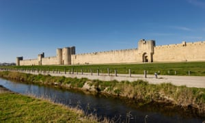 Aigues-Mortes is enclosed within medieval walls.