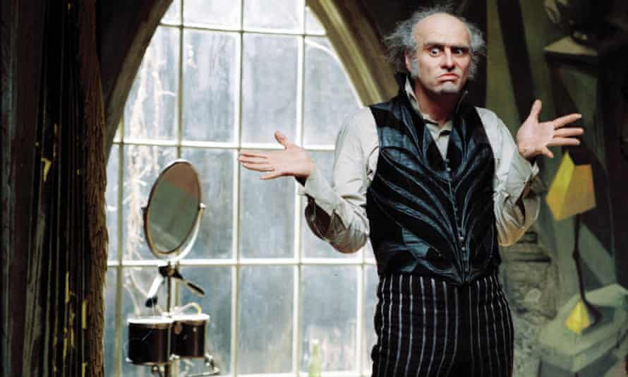 Jim Carrey in the 2004 film Lemony Snicket's A Series of Unfortunate Events.
