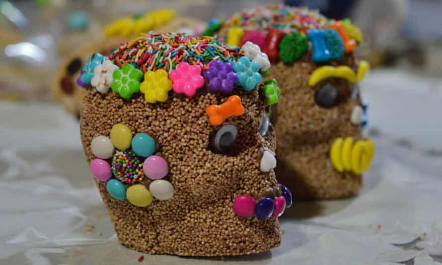 Tamarind is added to the amaranth skulls and small candies are added for decoration.