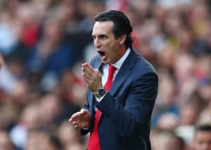 Unai Emery reacts as Arsenal beat Bournemouth 1-0.
