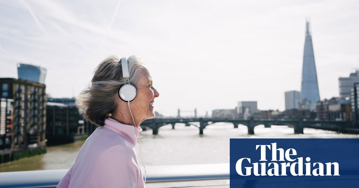 Alzheimer's patients and hospital staff prescribed music in NHS trial