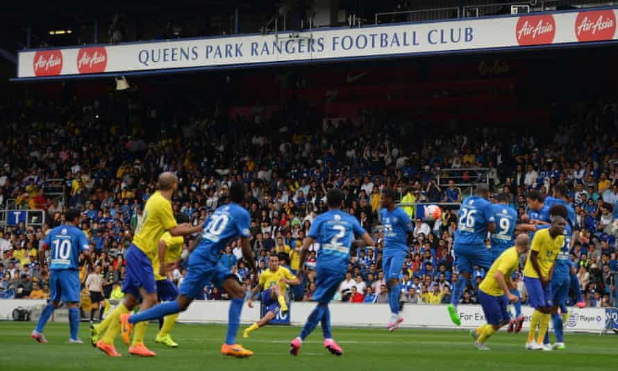 Al-Nassr Fabián Estoyanoff's fires a free-kick over the Al-Hilal wall, only to be denied by the woodwork.