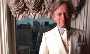 Tom Wolfe in his New York home 22 December 1998