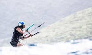 Obama practised kitesurfing off Necker island for two days solid