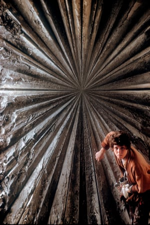 Painter Jay DeFeo painting The Rose, San Francisco 1960 Among the musicians and writers Glinn captures are also the leading visual artists of the time, from Helen Frankenthaler and Barnett Newman to Bernard Tapié, William de Kooning and Jay DeFeo