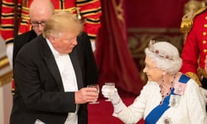 Donald Trump and Queen Elizabeth raise their glasses to make a toast at the state banquet at Buckingham Palace