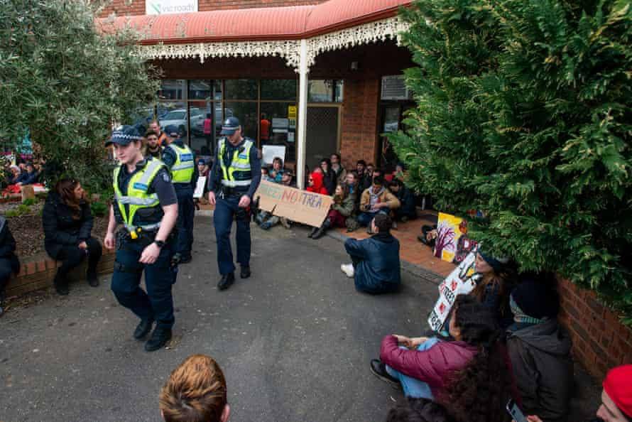 Djap Wurrung protesters out the front of the VicRoads offices in Ararat.