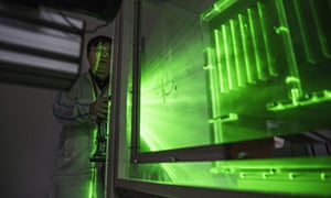 A Huawei thermal engineer performs a heat test in the research and development area