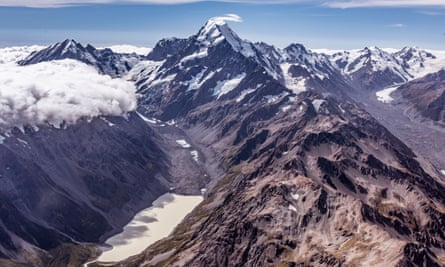 Scientists take images of the snowline around glaciers on New Zealand's South Island to help them understand how much ice is being lost.