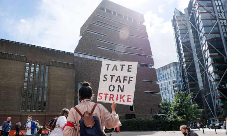 Staff protesting last month outside the Tate Modern gallery in London against the redundancies.