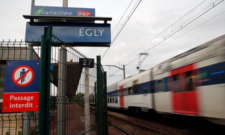 Égly station in the southern suburbs of Paris.