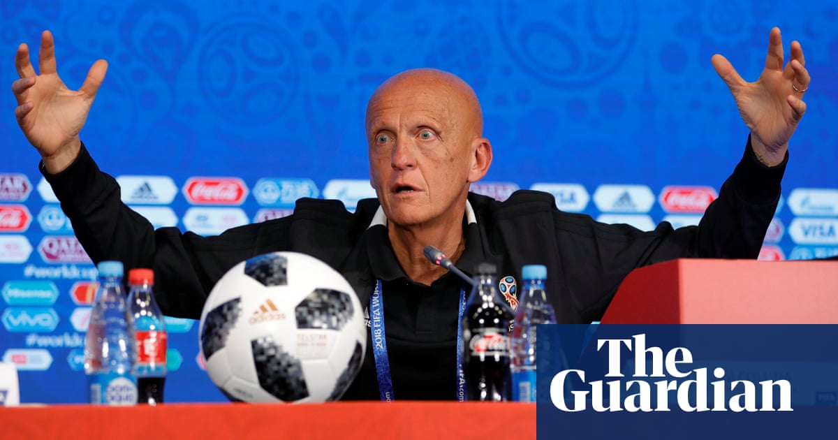 c2668a107f9 Leave it to VAR  World Cup linesmen told not to flag for tight offsides