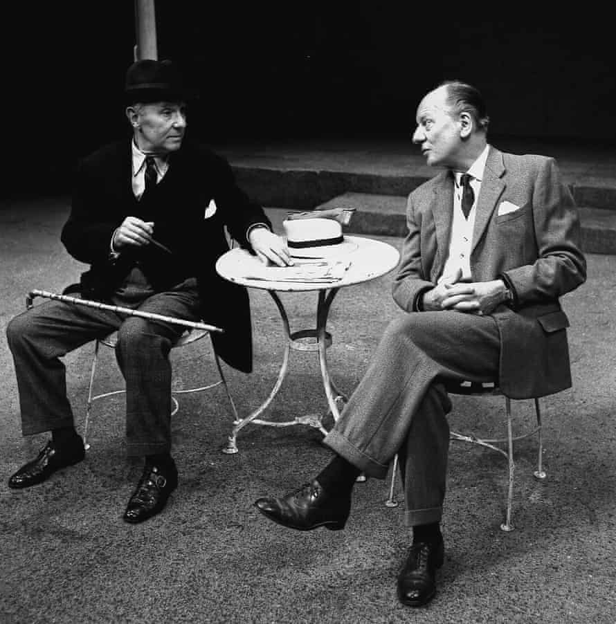 Ralph Richardson and John Gielgud in Storey's play Home, Royal Court theatre, 1970.
