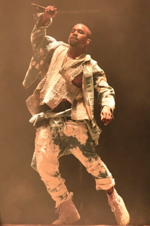 Kanye West's only appearance at Glastonbury was in 2015 – months after his first Yeezy presentation. His fashion prowess was already clear, as this bleached denim set demonstrates.