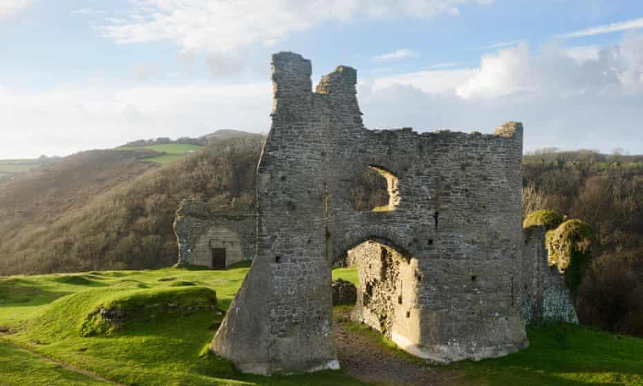 Pennard Castle on the Gower peninsula, Wales, UK.