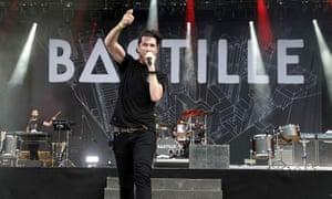 Bastille's Dan Smith on stage in Paris, August 2016.