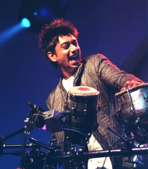 Talvin Singh on stage in 1999.