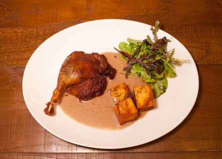 Duck confit with pommes sarladaise