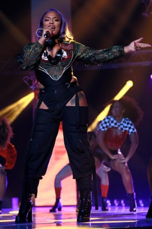 MOBO Awards - ShowLEEDS, ENGLAND - NOVEMBER 29: Stefflon Don performs on stage at the MOBO Awards at First Direct Arena Leeds on November 29, 2017 in Leeds, England. (Photo by Andrew Benge/Getty Images)