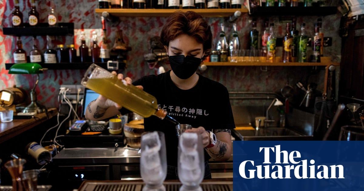 Businesses in Thailand urge government to reverse alcohol ban