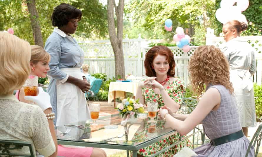 Maid in Hollywood: a scene from The Help with Viola Davis as Aibileen Clark, and Bryce Dallas Howard and Ahna O Reilly.