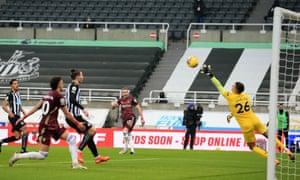 Leeds United's English midfielder Jack Harrison (C) scores.
