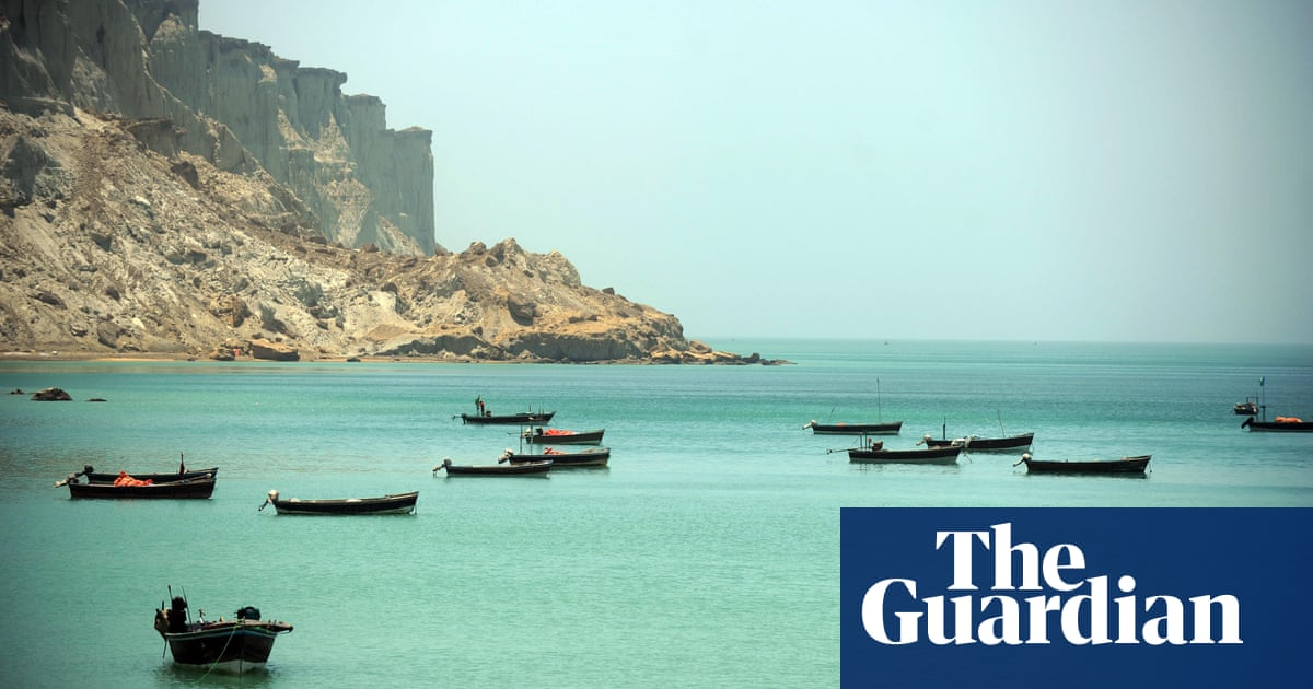 Pakistan detains five Chinese trawlers for alleged illegal fishing