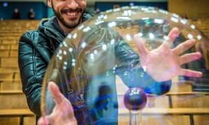 Physics show for refugees, Bonn University, 20.12.2015