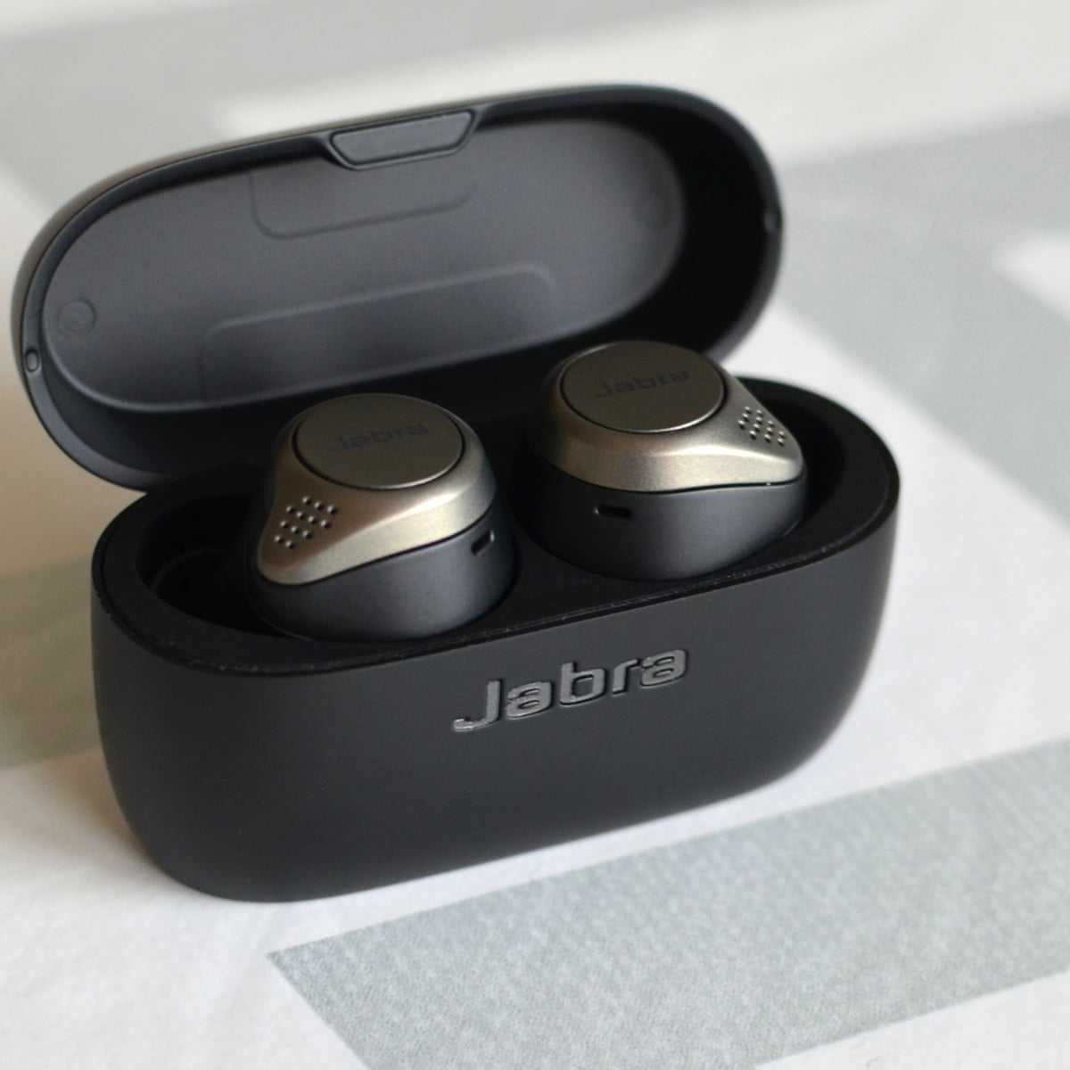 Jabra Elite 75t Review Small And Long Lasting Airpod Beaters Headphones The Guardian