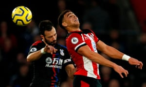 Che Adams heads the ball during Southampton's draw with Crystal Palace.