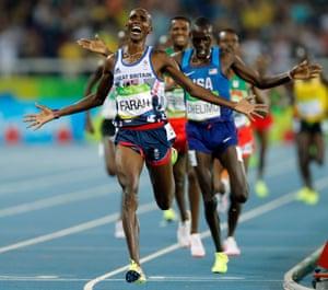 Mo Farah takes the men's 5,000m gold.