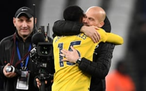 Ainsley Maitland-Niles and Freddie Ljungberg celebrate after the match.