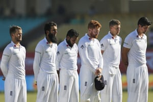 England's cricketers pay their respects on Armistice Day before the start of the third day of the first cricket test match against India