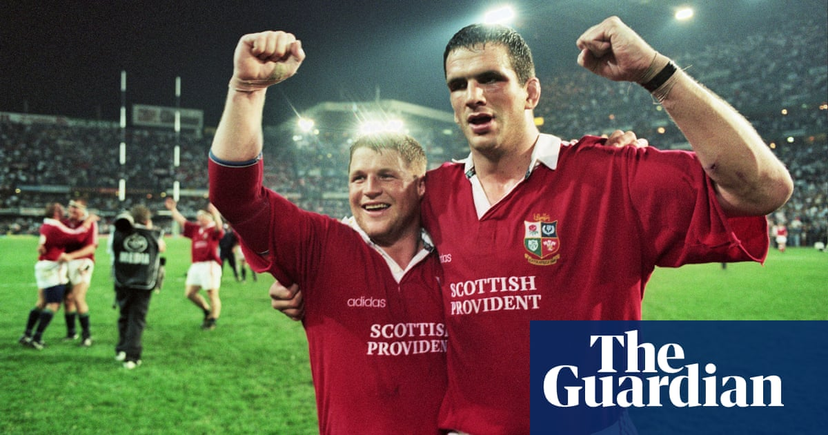 Martin Johnson warns Lions: 'People are looking for reasons to send people off'