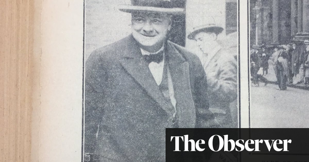 Winston Churchill waged war on paper over fake news photo caption