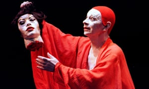Lindsay Kemp performing in Salome's Last Dance in London in 2002.