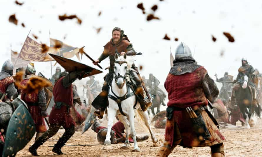 Russell Crowe says he became 'lifelong friends' with Rusty the white horse while filming Robin Hood.