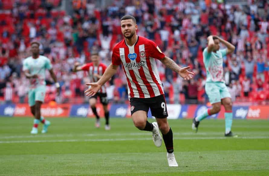 emiliano marcondes de brentford comemora o segundo gol.