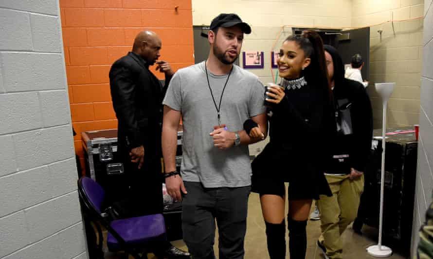 Braun backstage with Ariana Grande.