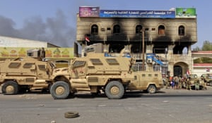 Yemeni pro-government forces advance into rebel-held Hodeidah.