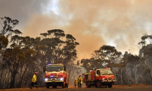 Fire crews in the Blue Mountains