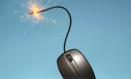 computer mouse with sparkler cable