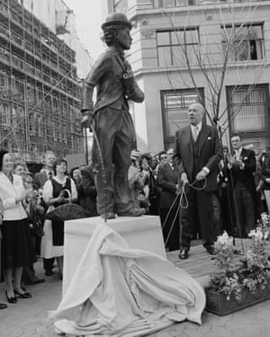 Sir Ralph Richardson unveils a statue of Chaplin in Leicester Square, London in 1981.