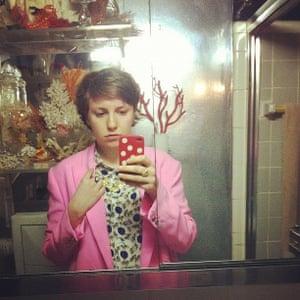 Lena Dunham's bathroom selfie