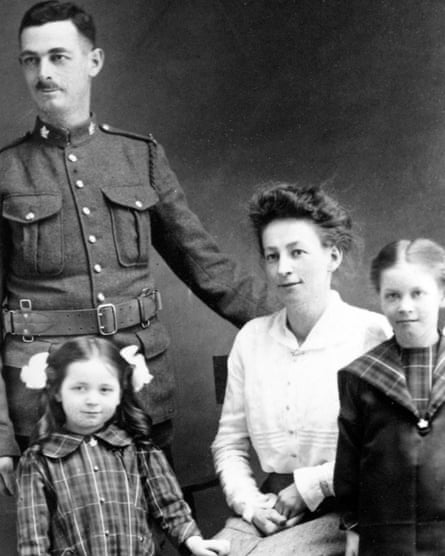 Frederick Spratlin with his wife and children.