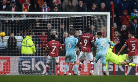 Football League: Sunderland come back from 3-0 down to grab point