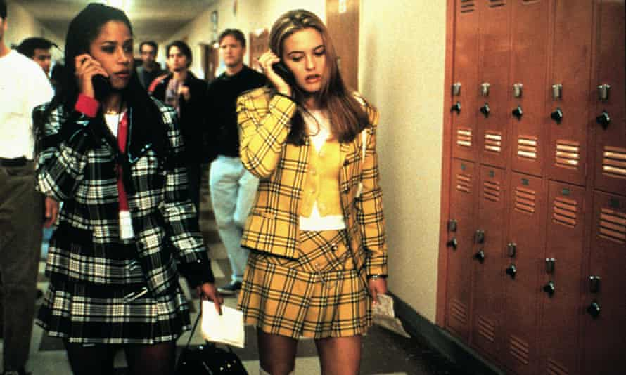 Still from Clueless showing Stacey Dash and Alicia Silverstone